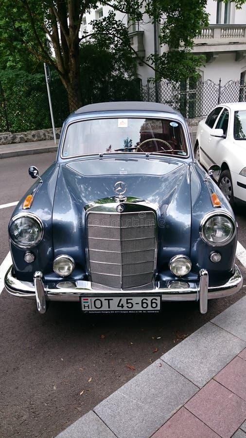 Mercedes Benz Adenauer - Retro- Automobilausstellung Rumäniens in Sinaia lizenzfreie stockfotos
