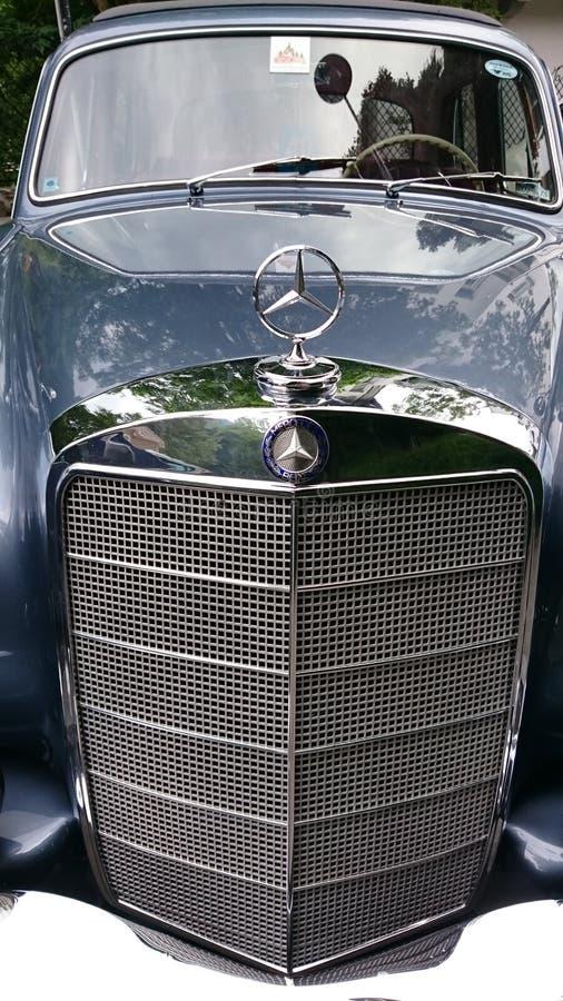 Mercedes Benz Adenauer-Sonderkommandos - Retro- Automobilausstellung Rumäniens in Sinaia stockbilder