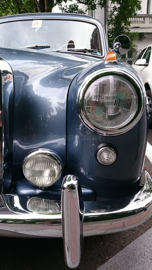 Mercedes Benz Adenauer-Sonderkommandos - Retro- Automobilausstellung Rumäniens in Sinaia lizenzfreie stockfotos