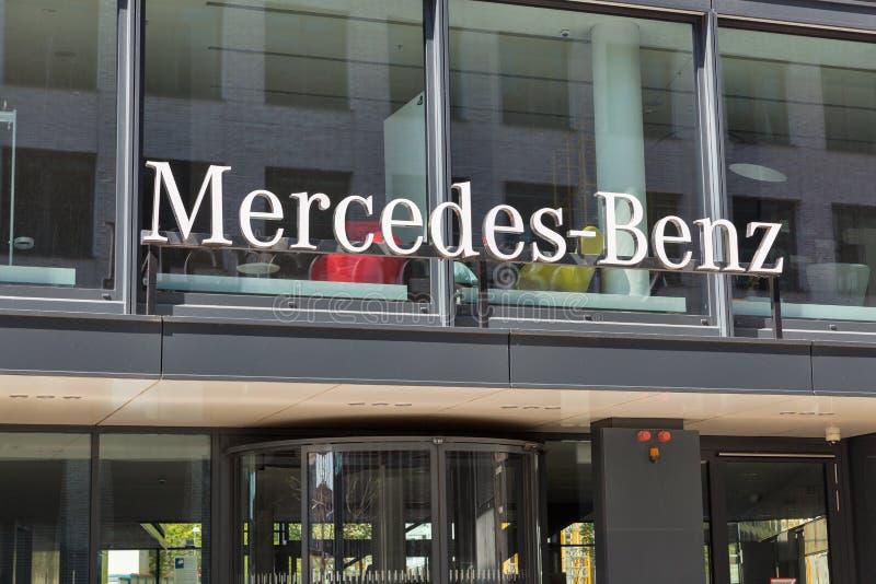 Mercedes-Benz-Hauptsitzgeb?ude in Berlin, Deutschland stockbild