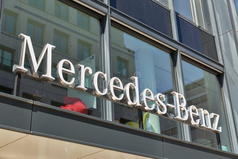 Mercedes-Benz-Hauptsitzgeb?ude in Berlin, Deutschland lizenzfreie stockbilder