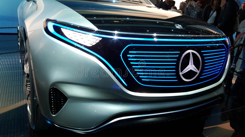 Mercedes Benz Limosine VIP limited. Its a brand new Mercedes Benz red stock images