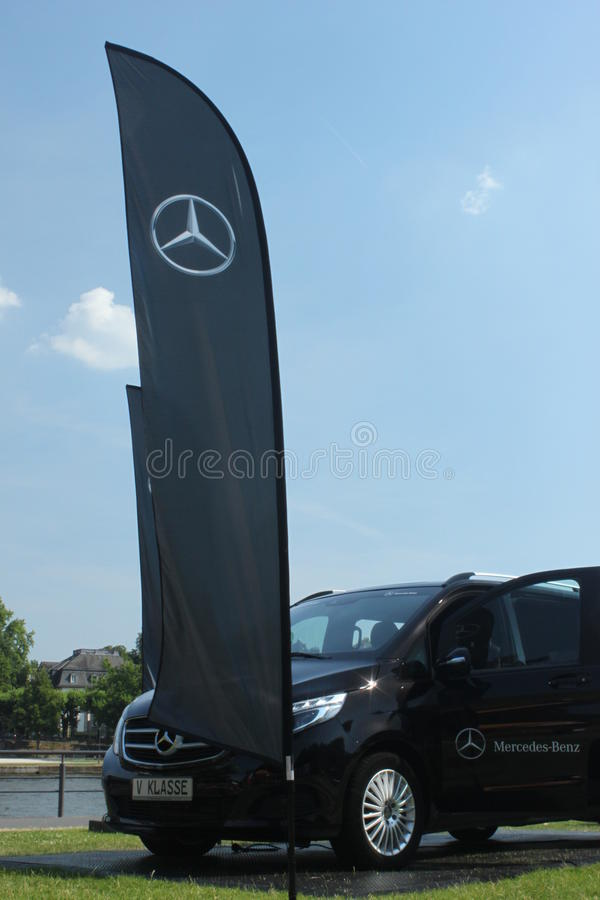 Mercedes Benz Logo Flag fotografia de stock royalty free