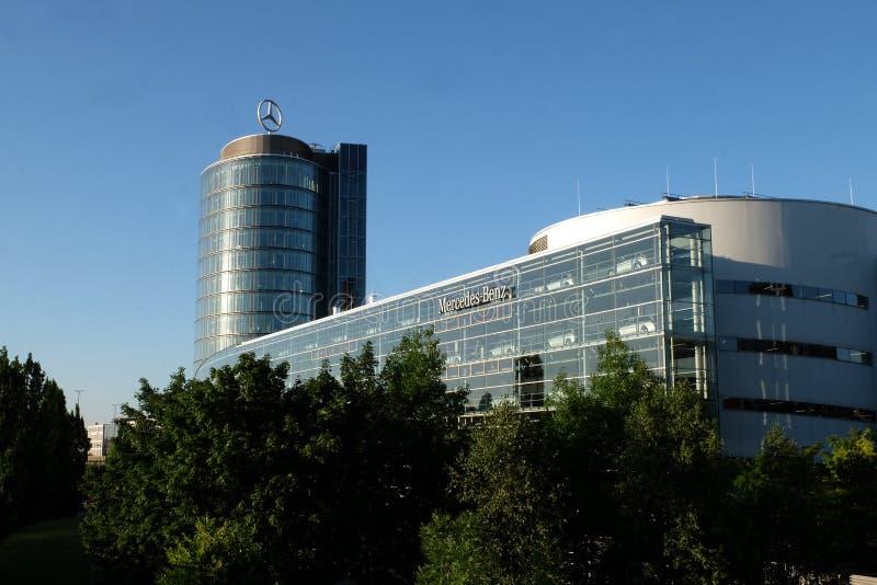 Mercedes Benz Munich em Munich imagens de stock royalty free