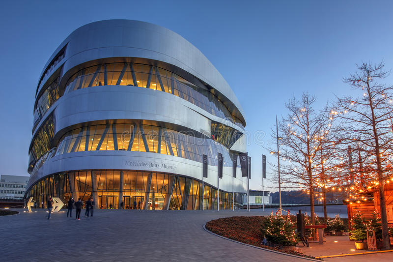 Mercedes-Benz Museum, Stuttgart, Alemania imagen de archivo