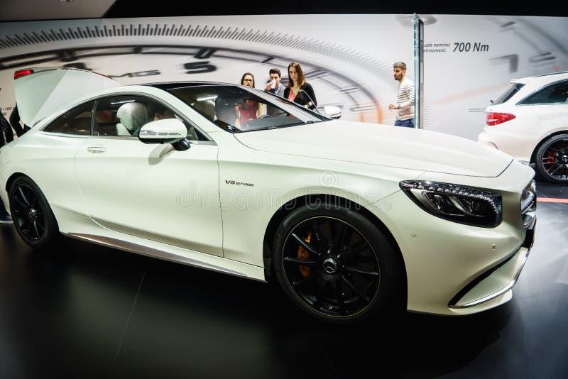 Mercedes-Benz S-grupp kupé, motorisk show Geneve 2015 royaltyfria bilder