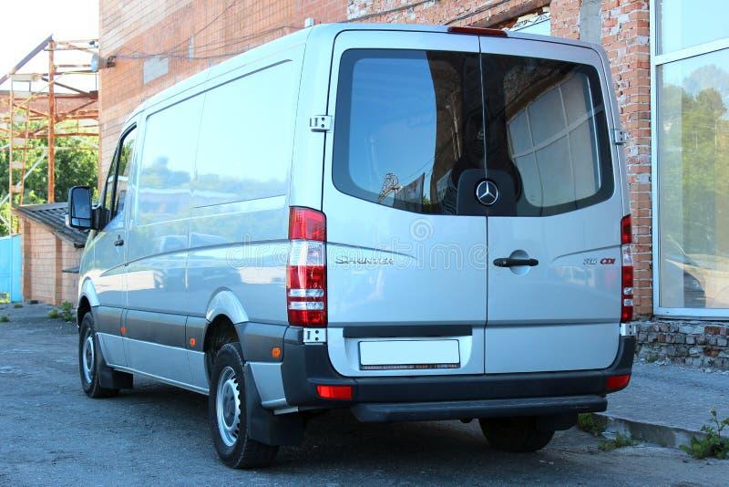 Mercedes-Benz Sprinter 316 ασήμι CDI 2012 στοκ φωτογραφία με δικαίωμα ελεύθερης χρήσης