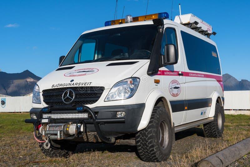 Mercedes Benz Sprinter From modificada una búsqueda y un equipo de rescate islandeses foto de archivo libre de regalías