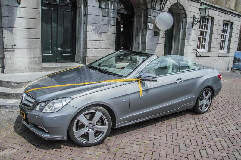 Mercedes-Benz On The Street At Weesp el 2018 holandés imagenes de archivo