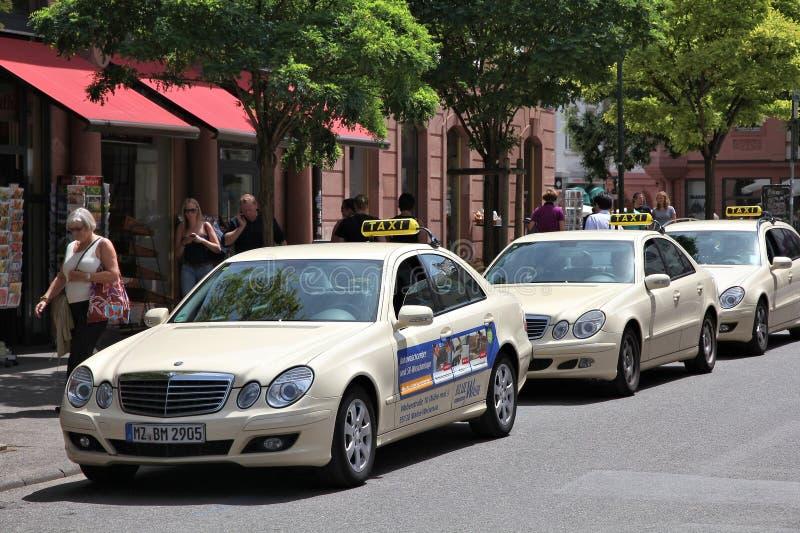 Mercedes-Benz-Taxi stockfotos