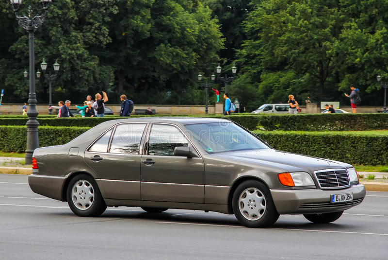 Mercedes-Benz W140 S-class editorial image. Image of brand - 57462030