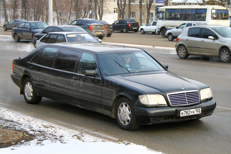 Mercedes benz w140 s600 pullman editorial stock image for Service plan b mercedes benz