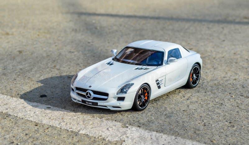 Mercedes SLS 6 Modello fuso sotto pressione GtAutos di 1:18 di 3 AMG fotografia stock libera da diritti