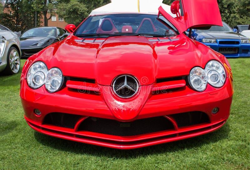 Mercedes Sports Car vermelha imagens de stock royalty free