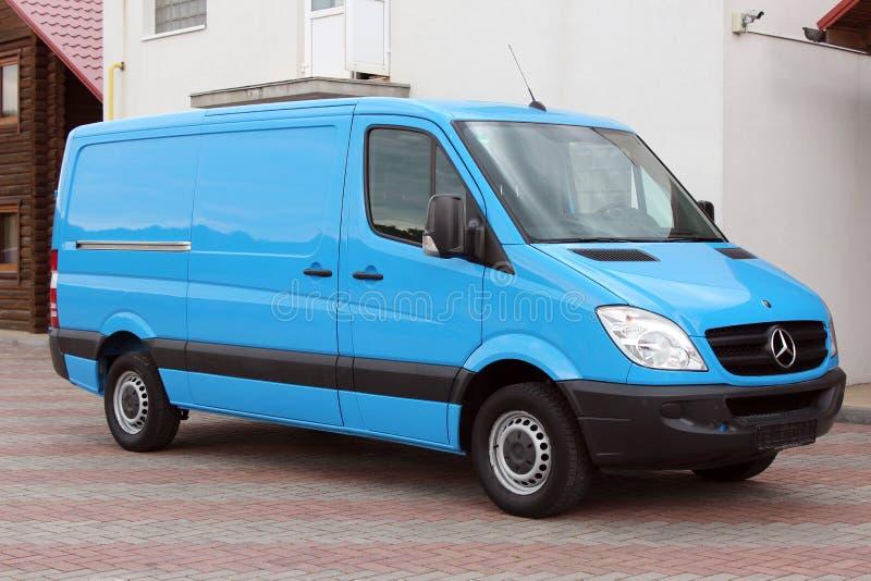 Mercedes Sprinter 313 CDI 2009 blauw stock afbeelding