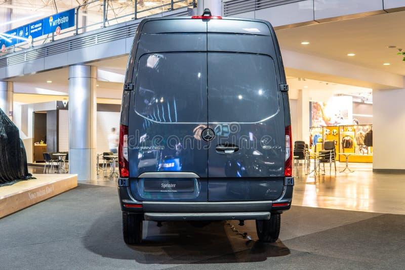 Mercedes Sprinter, tercera generación producida por Mercedes Benz, vehículo comercial ligero como camioneta pickup del microbús d fotografía de archivo libre de regalías