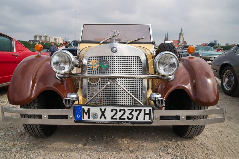 Mercedes velha no festival de mola de Munich foto de stock royalty free