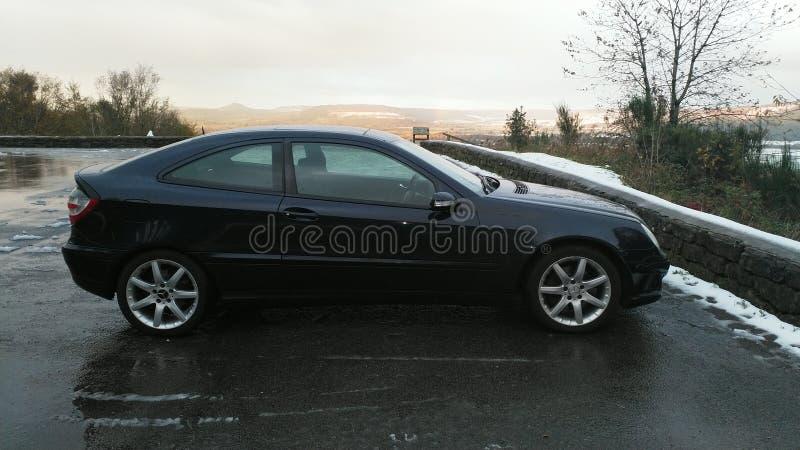 Mercedez Benz w carpark w cumuje obrazy stock