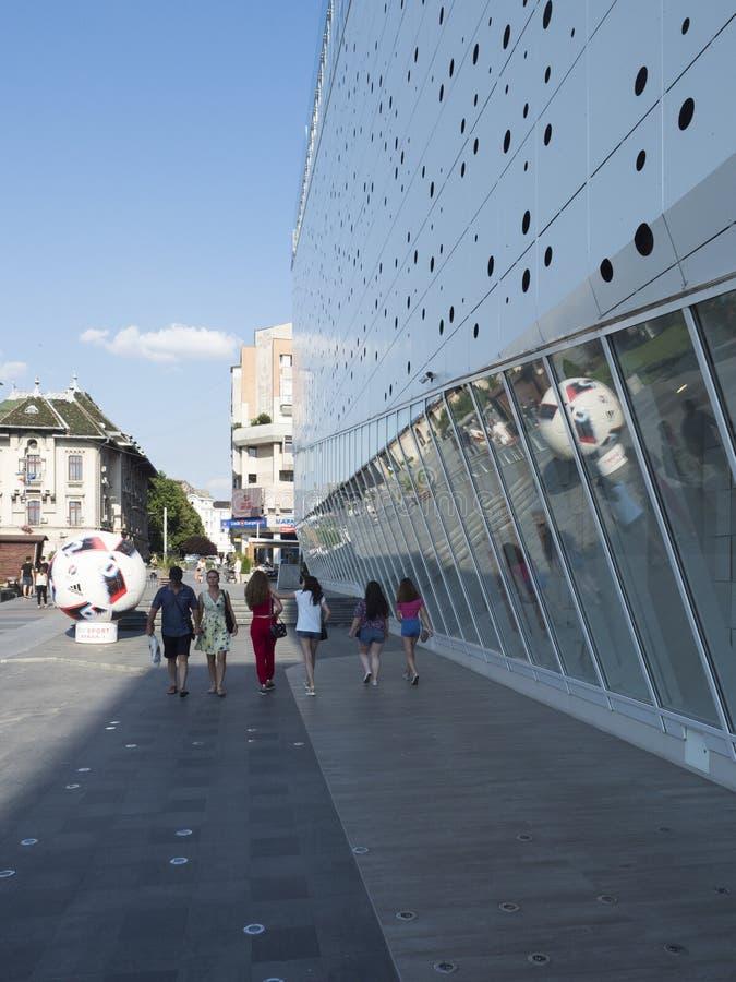Mercur köpcentrum, Craiova, Rumänien arkivbild