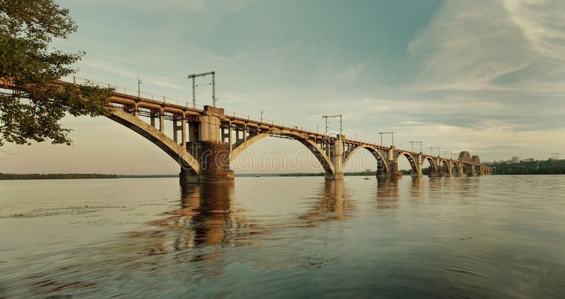 ` Merefa-Kherson ` linii kolejowej most obrazy royalty free