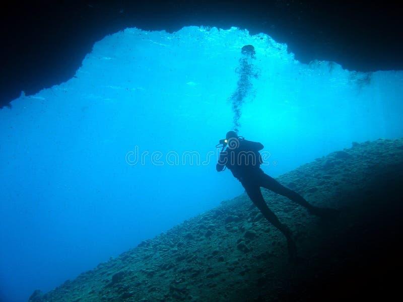 Mergulhador da caverna fotos de stock