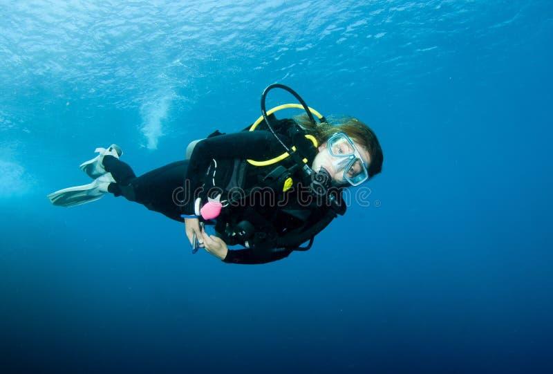 Mergulhador de mergulhador fêmea imagens de stock royalty free