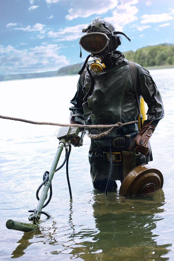 Mergulhador militar para seu trabalho imagem de stock