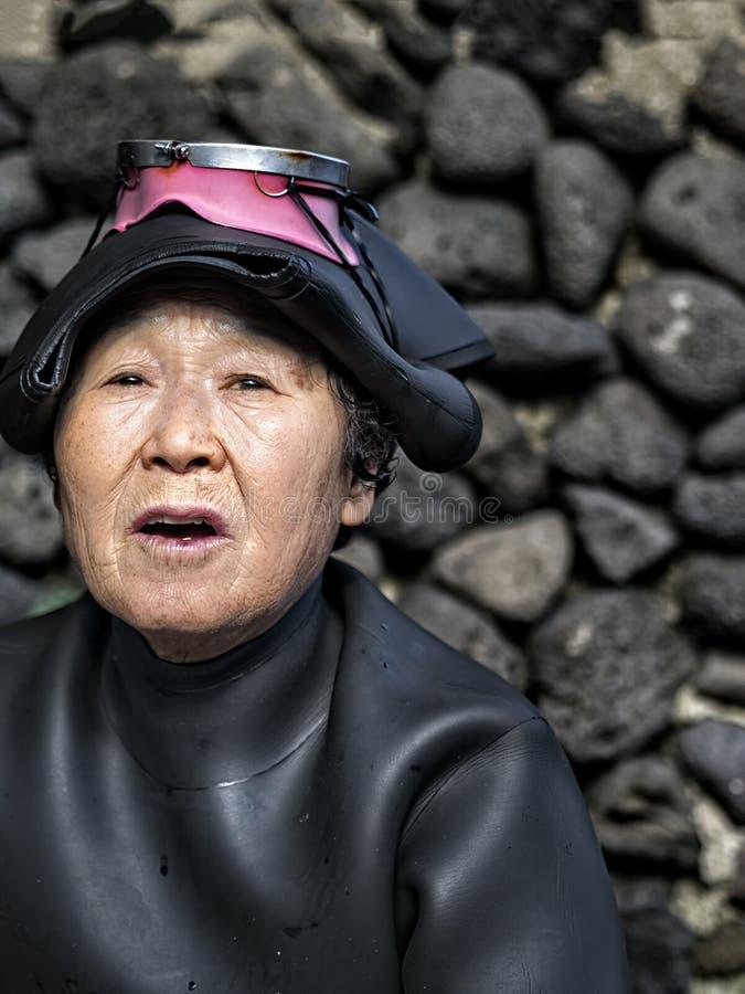 Mergulhadores fêmeas tradicionais da pesca de Haenyeo fotografia de stock royalty free