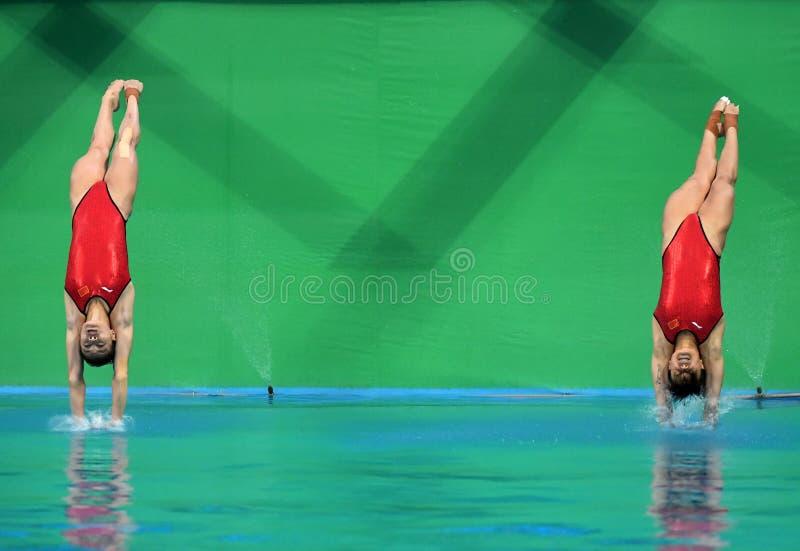 Mergulho chinês da equipe nos Jogos Olímpicos 2016 fotografia de stock