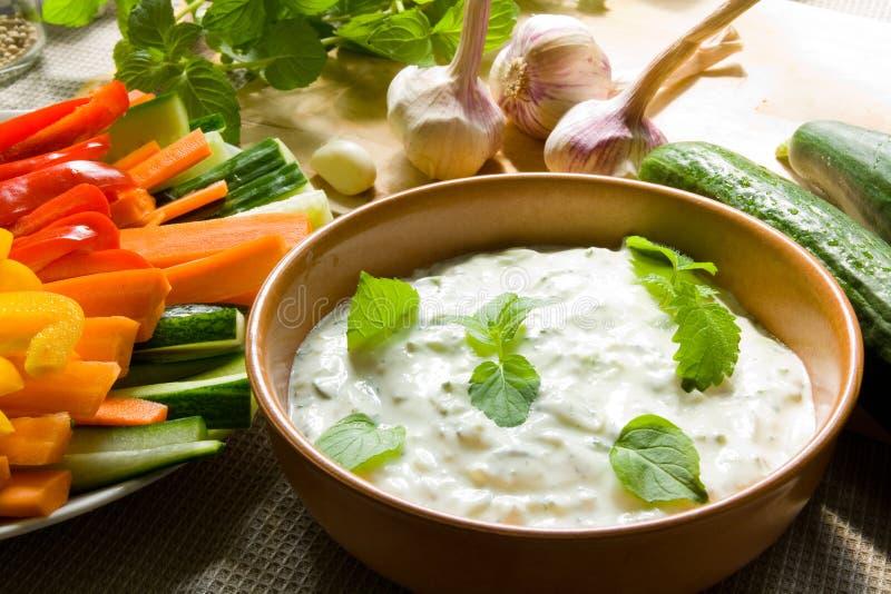 Mergulho com vegetais fotos de stock royalty free