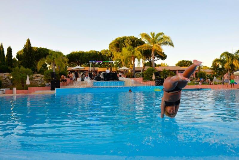 Mergulho da associação, partido do verão, música DJ, férias de verão, curso Portugal foto de stock
