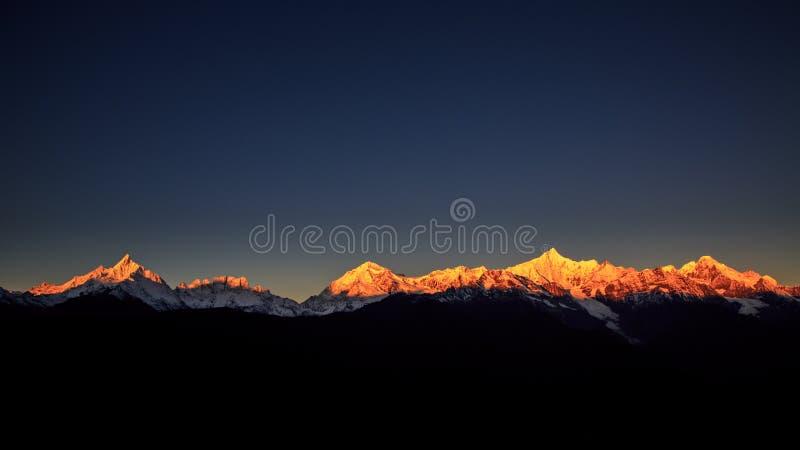Meri Snow Mountain-Sonnenaufgang lizenzfreie stockfotos