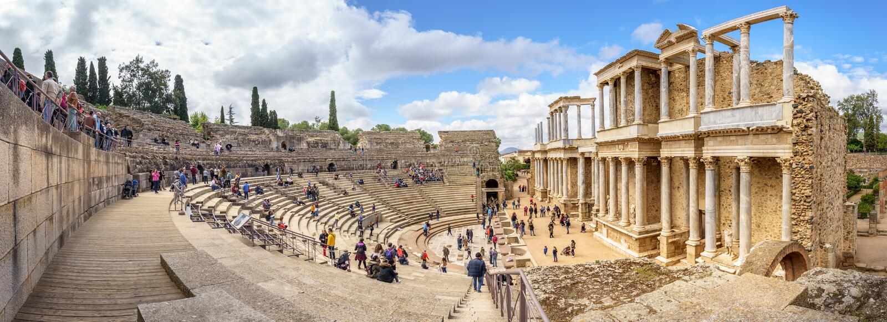 Merida Spanien April 2019: Antika Roman Theatre i Merida, Spanien arkivbilder