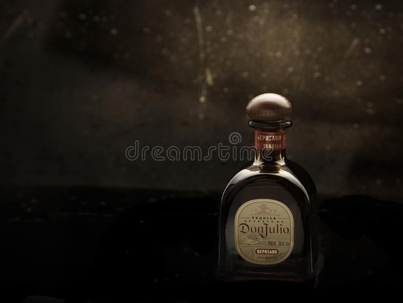 MERIDA-YUCATAN-MEXICO-NOVEMBER-2018 : Mini bouteille de tequila Don Julio, qu'elles vendent aux aéroports comme cadeau image stock