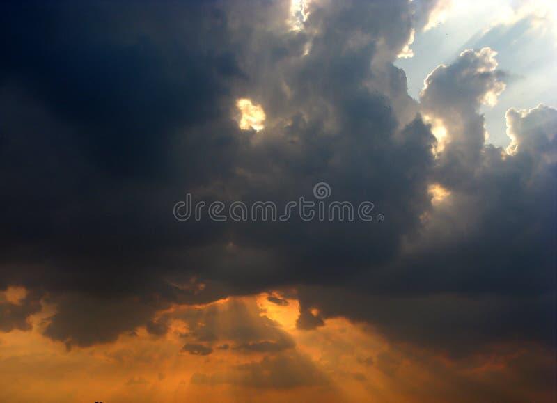 Merkwürdige Wolken lizenzfreies stockfoto