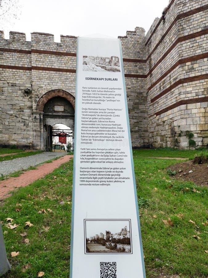 'Mermerkule port 'på kustvägen i Yedikule, 'Bukoleon slottport 'som öppnas till den bysantinska slotten, royaltyfri foto