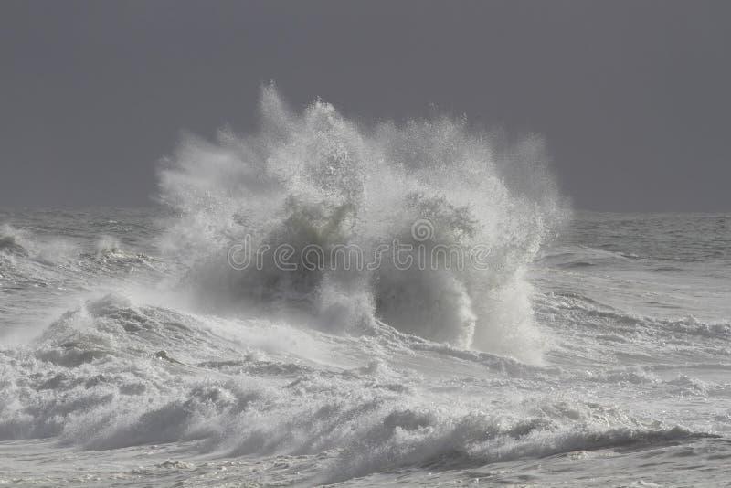 Mers agitées dangereuses image stock