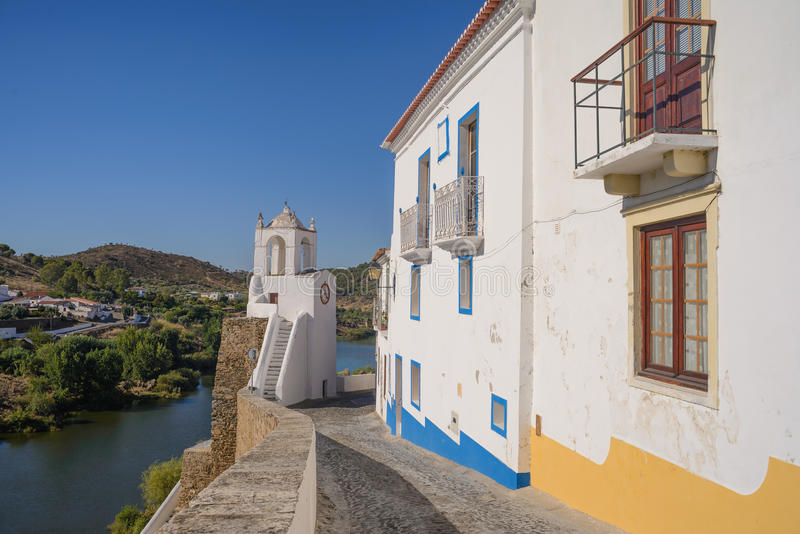 Mertola, een kleine stad in Alentejo gebied, Portugal stock fotografie