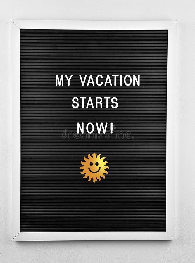 Mes vacances commencent maintenant images stock