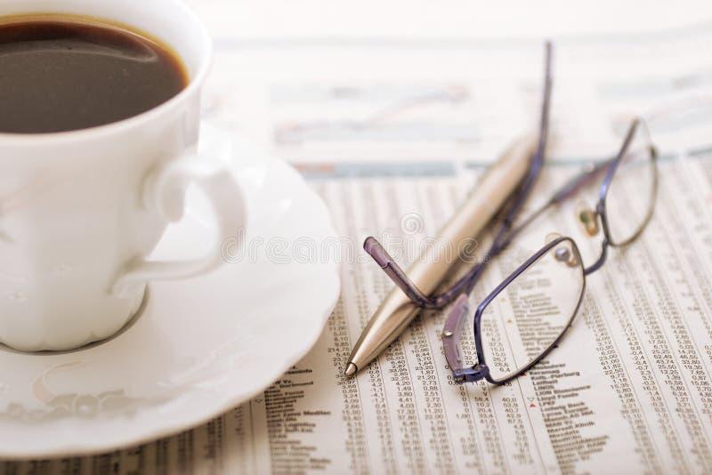 Mesa de escritório financeira fotos de stock royalty free