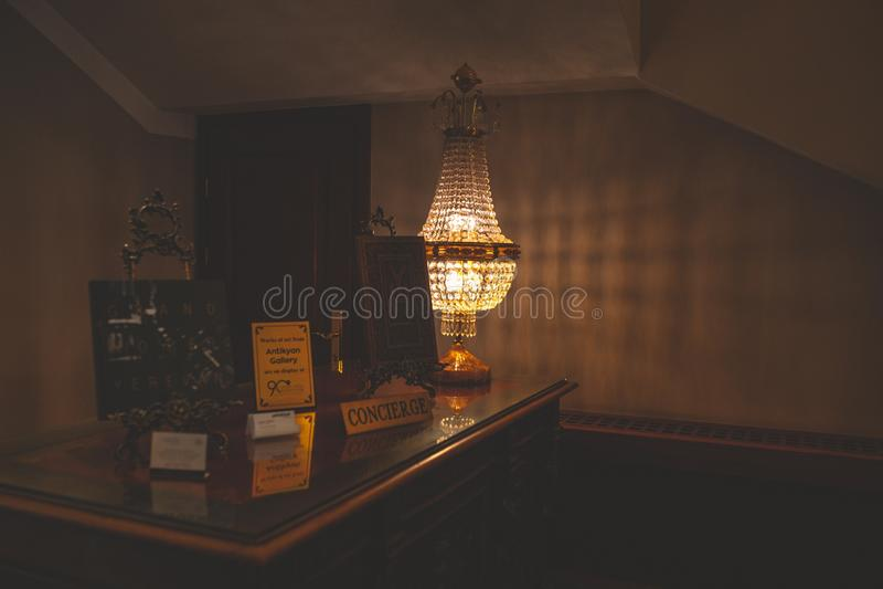 A mesa de porteiro fotografia de stock
