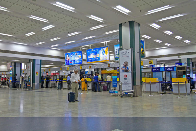 Mesa de registro no aeroporto de Ahmedabad imagens de stock royalty free