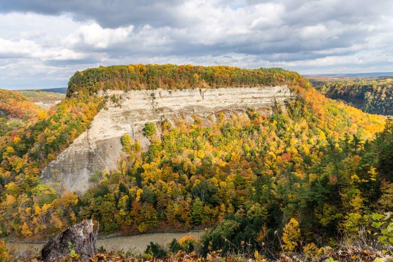 Mesa do norte da cor no parque estadual do Letchworth de New York foto de stock royalty free