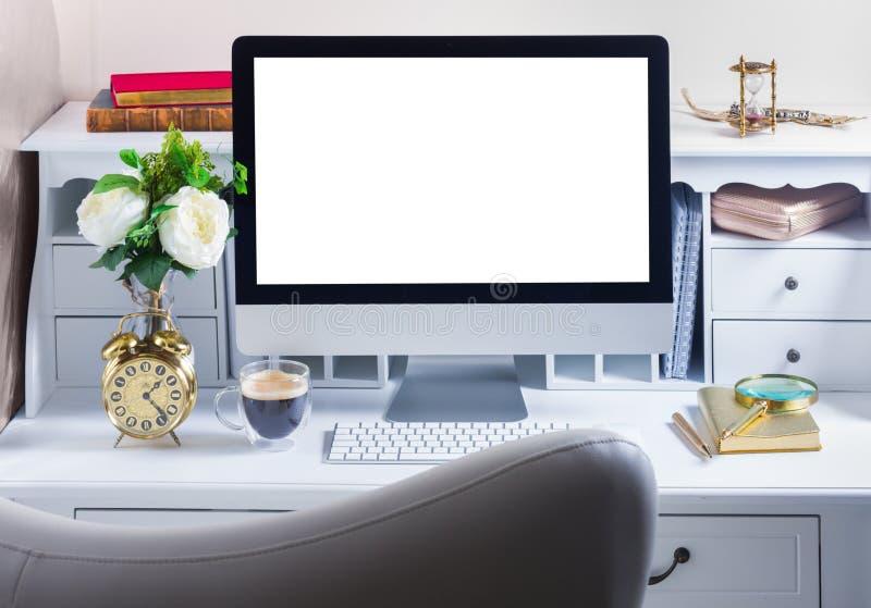 Mesa do trabalho com computador foto de stock royalty free