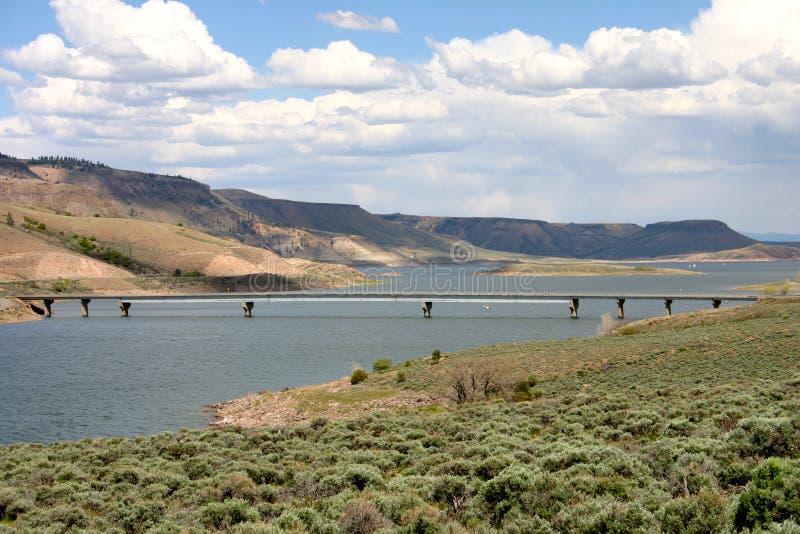 Mesa Reservoir Bridge bleu photo stock
