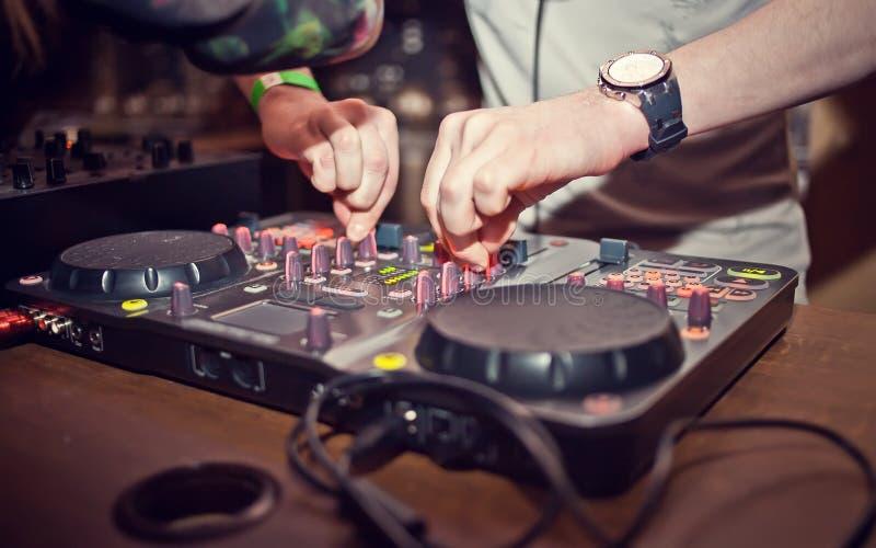 Mescolanza del DJ fotografia stock
