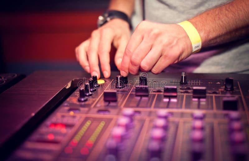 Mescolanza del DJ immagini stock