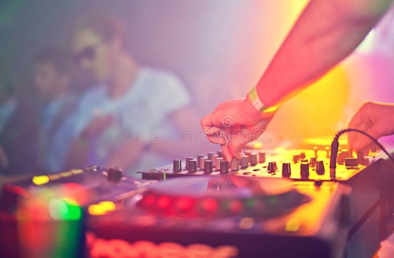 Mescolanza del DJ fotografie stock
