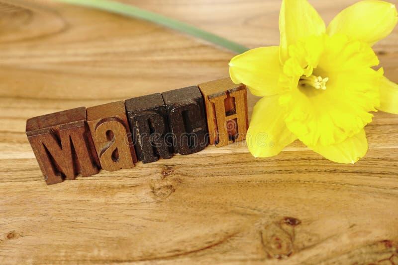 Mese marzo - lettere dello scritto tipografico fotografia stock libera da diritti