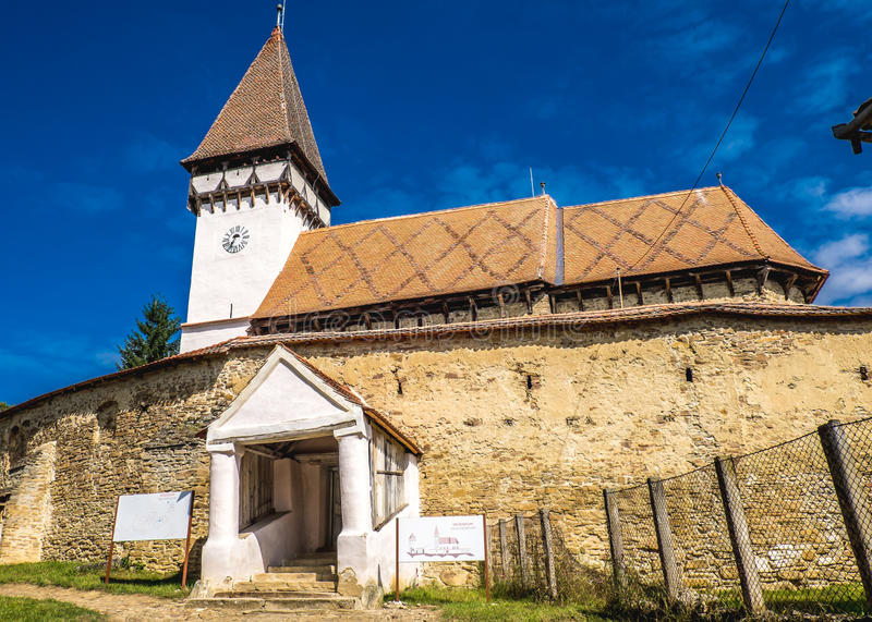 Mesendorf versterkte kerk in een traditioneel Saksisch dorp in Tra royalty-vrije stock afbeelding